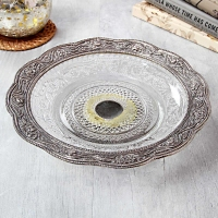 Lavishness : Glass Dishware with White Metal